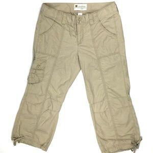 GAP Women's Short Size 8 W 33 X L23 Tan